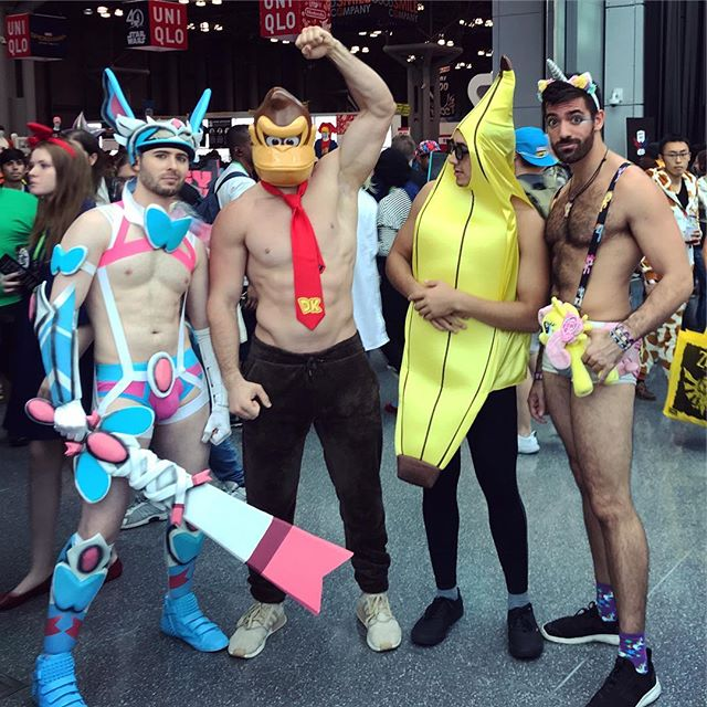 I felt very inadequate next to that #donkeykong - also, my pose was for the camera, but my mind was more like the #banana. #brony #sylveon #sylveoncosplay #shiny #shinysylveon #pokemon #nintendo #kong #mylittlepony #sexy #comiccon #nyccomiccon #nyccomiccon2017 #comiccon2017 #convention #nerdgasm