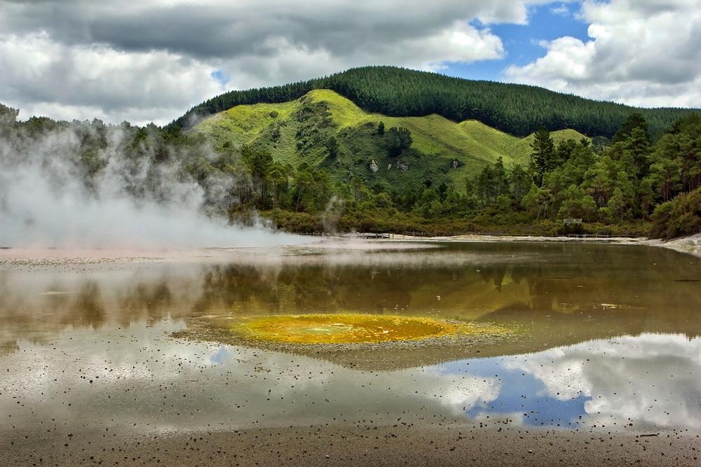 2012_NZ_rotorua_7683.jpg