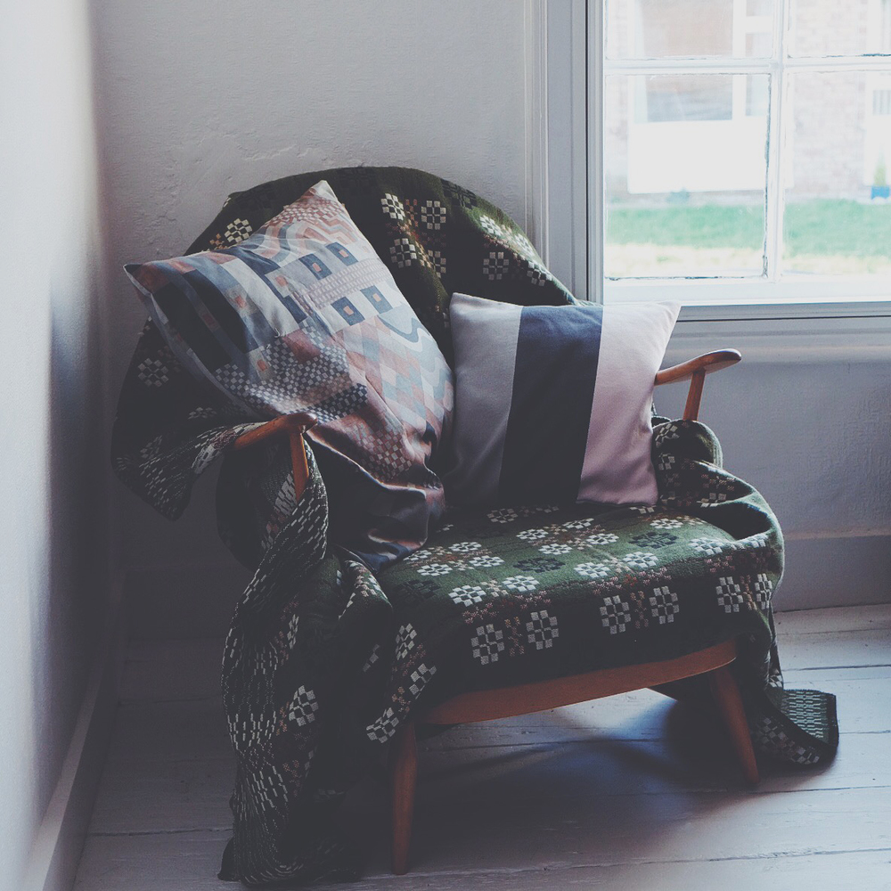 ali_dover_boheme_cushion_4