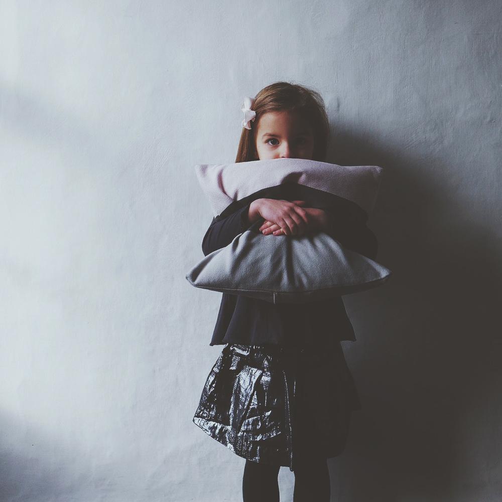 ali_dover_boheme_cushion_5.jpg