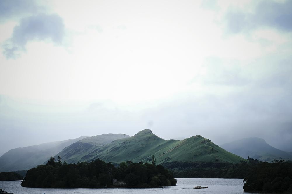 alidover_lake_mountains_web.jpg