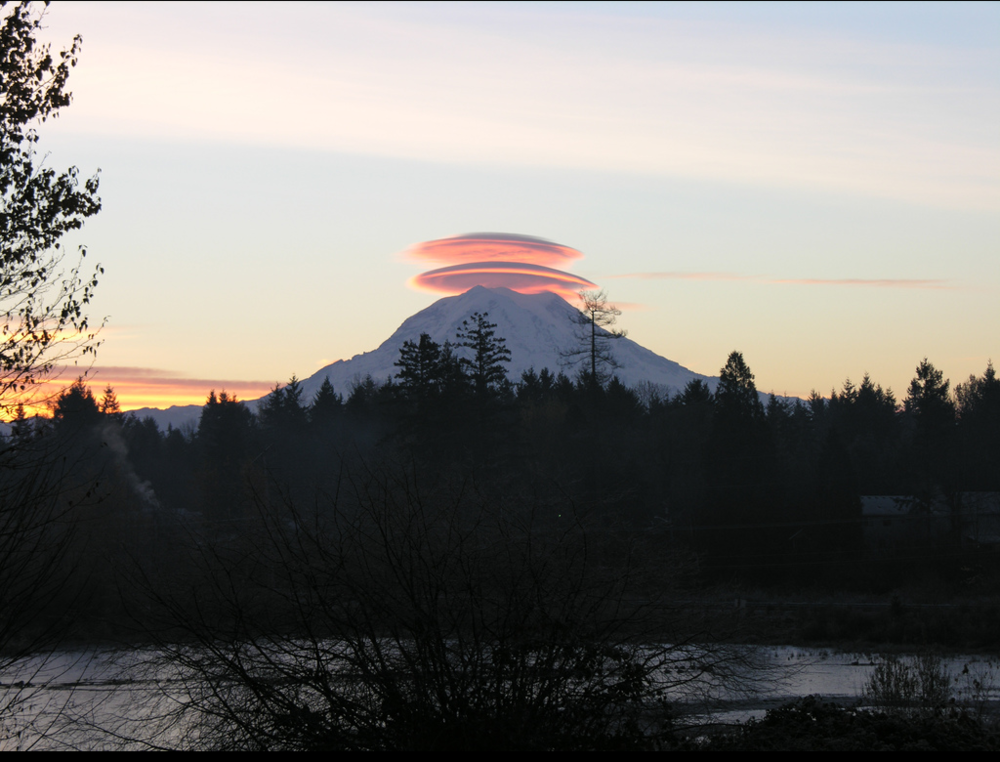 Lenticular cloud 2.png