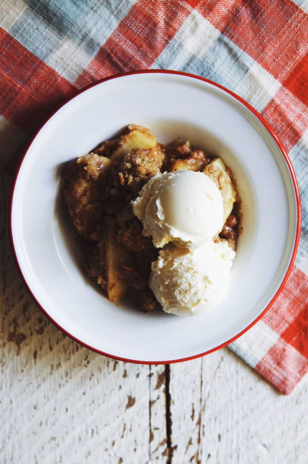 vanilla apple crumble from Whip it Up! by Billy Green