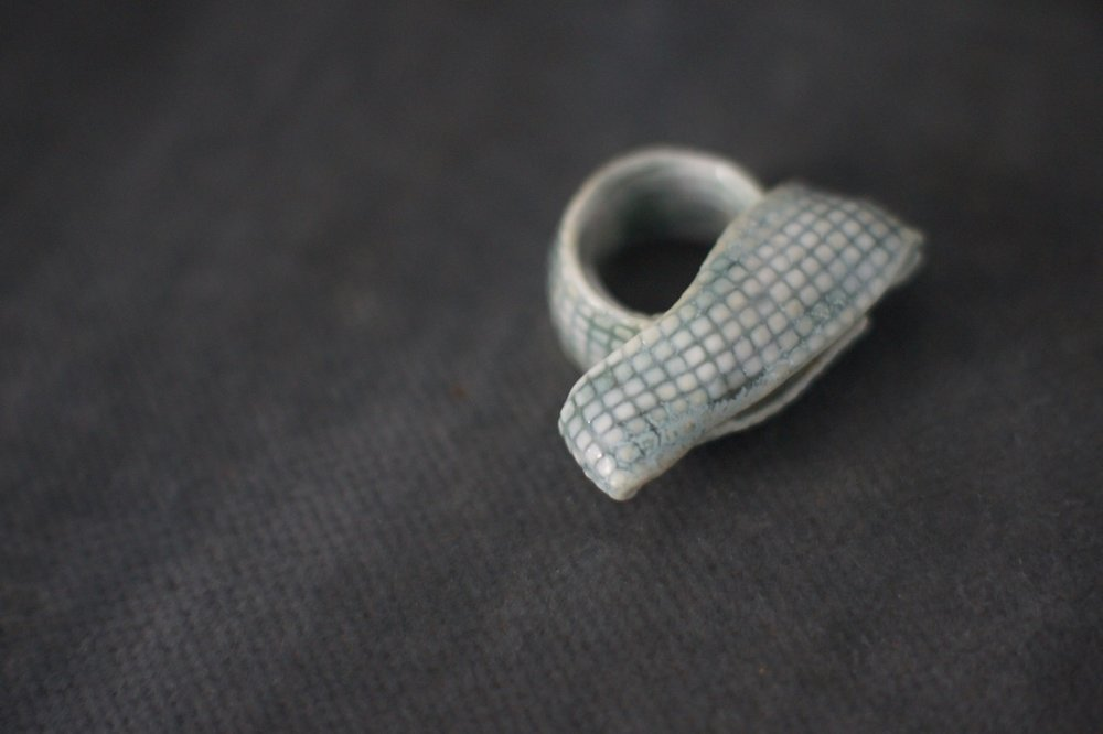 Ring sculpted in porcelain, 2015