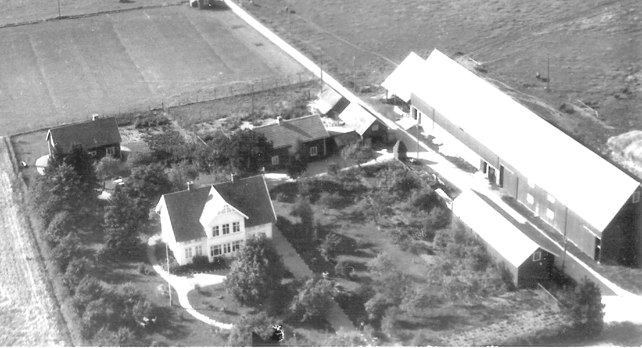 Flygfoto över Nolbygård från första hälften av 1900 talet, där idag bl.a inryms Hus till Hus.