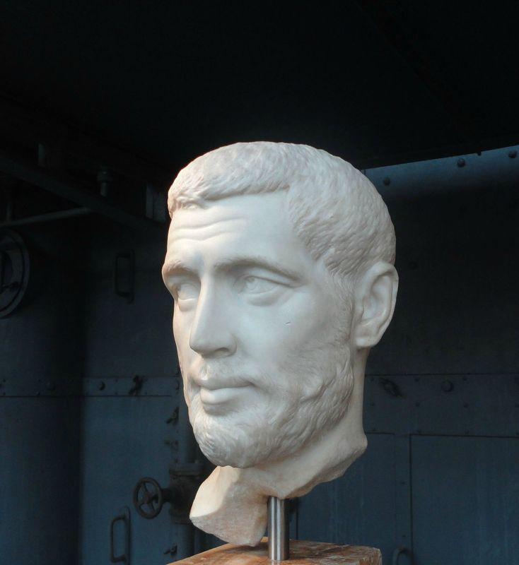 Sculptures exposées à la  Centrale Montemartini