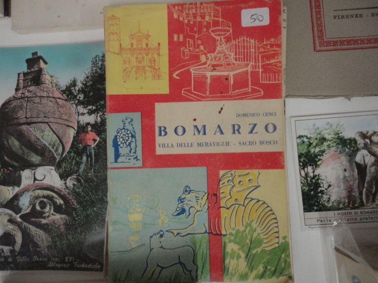 Bomarzo e la villa delle meraviglie : guida storica : civilta, arte,  religione / Domenico Cenci. - Milano : Unione editoriale, 1957. -