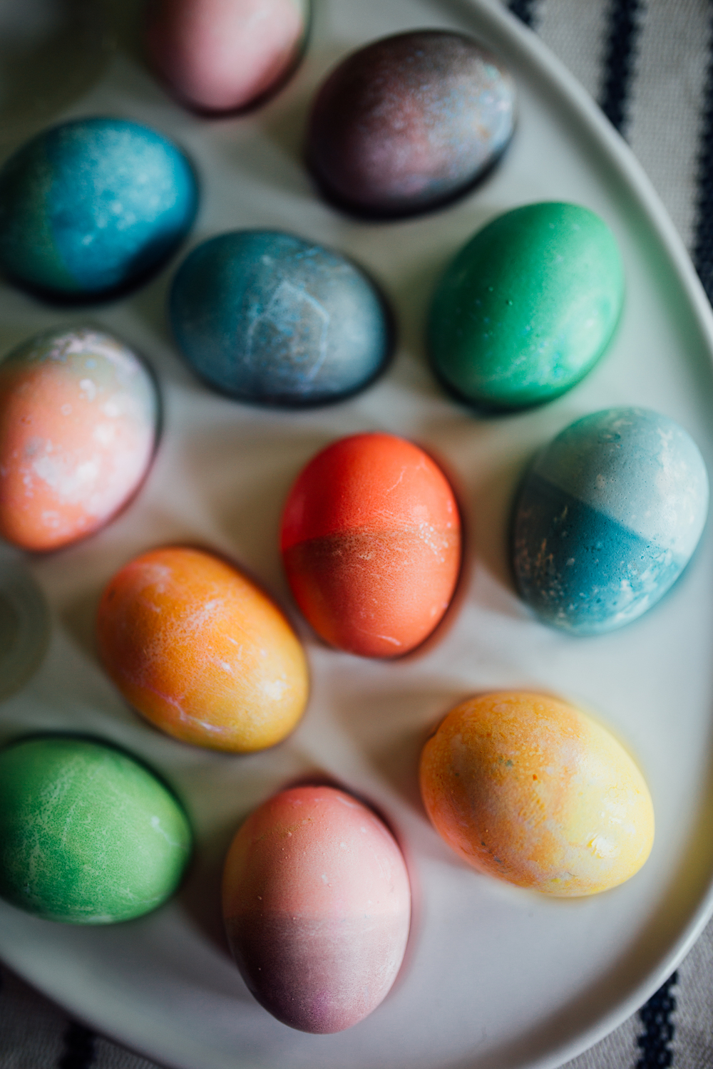 Carrie Hall Photograpy || Dip Dyed Easter Eggs
