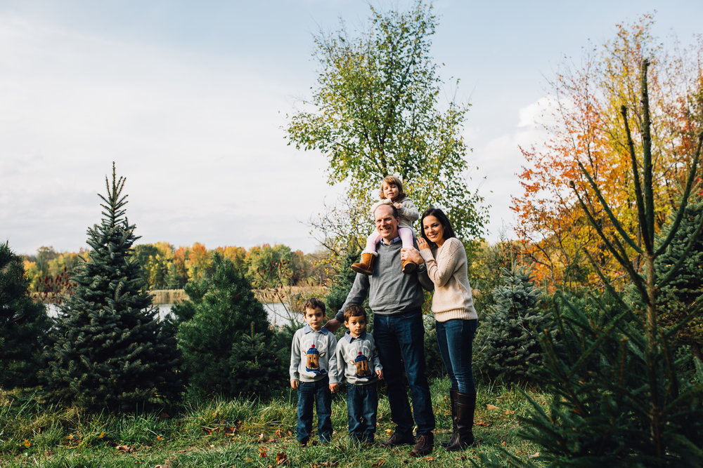 Northeast Ohio // Lifestyle Family Photographer // Cleveland, Ohio and surrounding areas // Carrie Hall Photography // Shawnee Trail Tree Farm