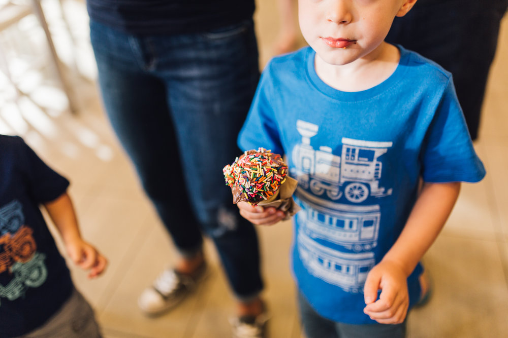 Northeast Ohio // Lifestyle Family Photographer // Cleveland, Ohio and surrounding areas // Carrie Hall Photography // Ohio City, Mitchell's Ice-cream