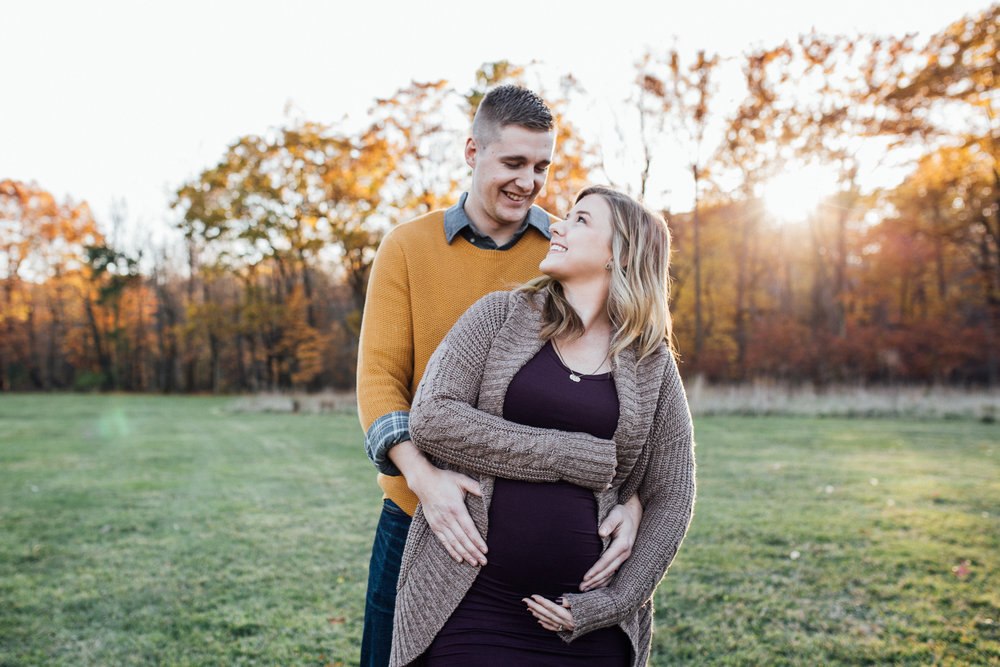 Carrie Hall Photography || Cleveland, Ohio || Maternity Photographer