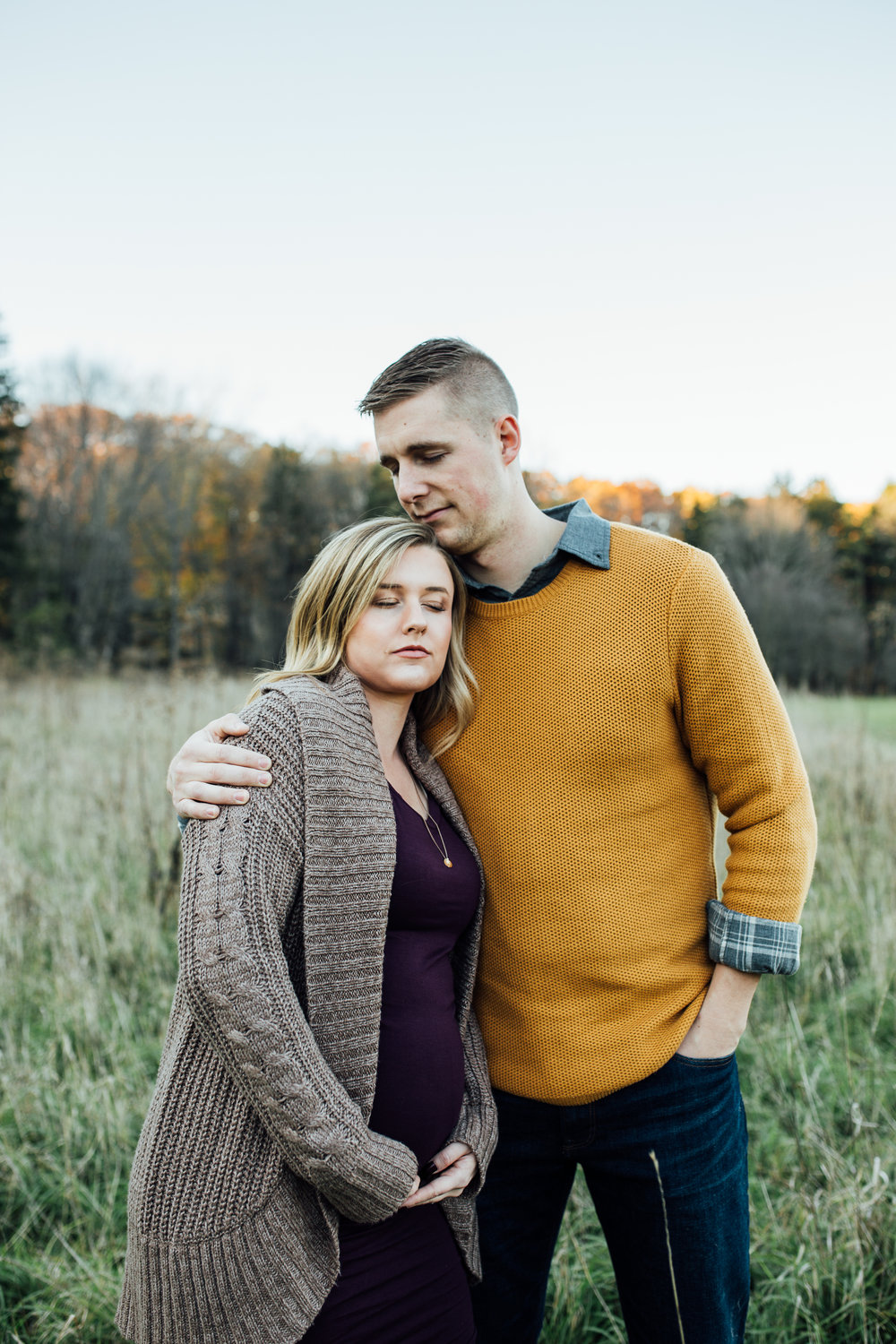 Cleveland, Ohio // Lifestyle Maternity Photographer // Carrie Hall Photography