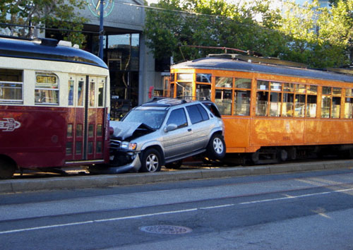 waggoner_muni_accident_090803.JPG