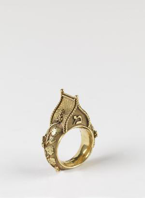 antique-jewish-house-ring.jpg
