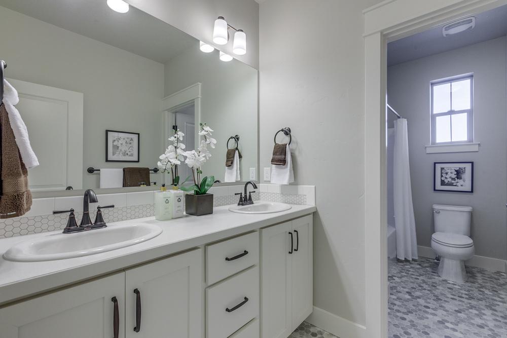 Bath 2-1.jpg