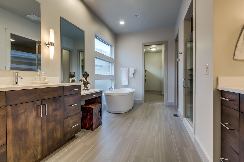 Master Bathroom-1.jpg