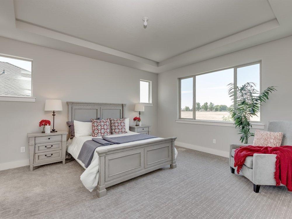 033_Master Bedroom .jpg