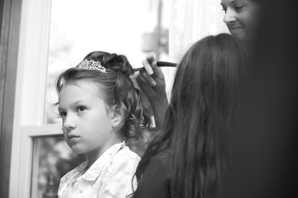 daughter hair prep(B&W)(WEB).jpg
