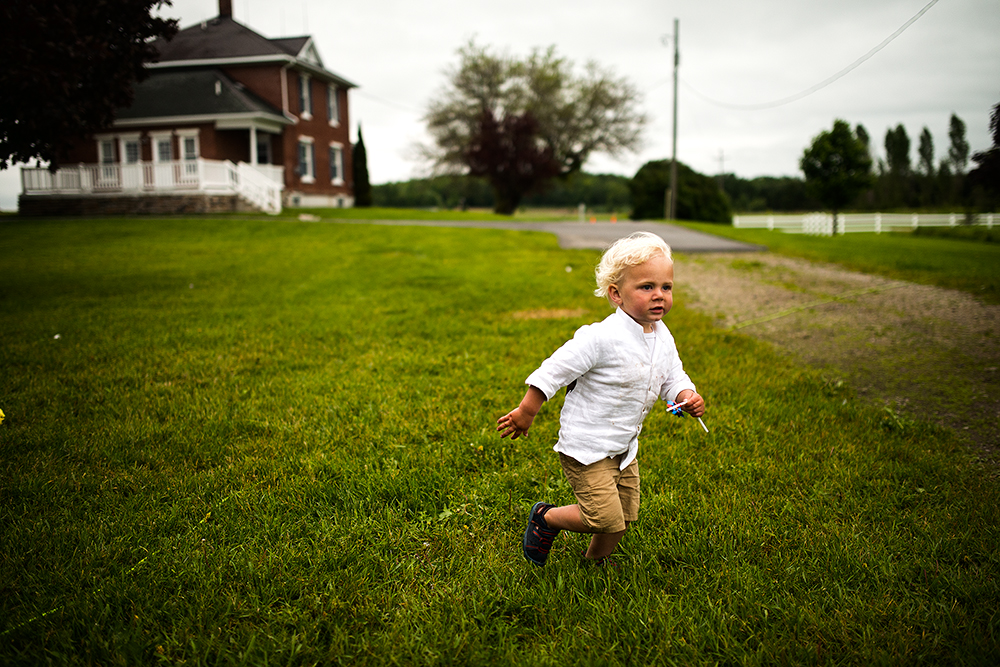 little boy running(WEB).jpg