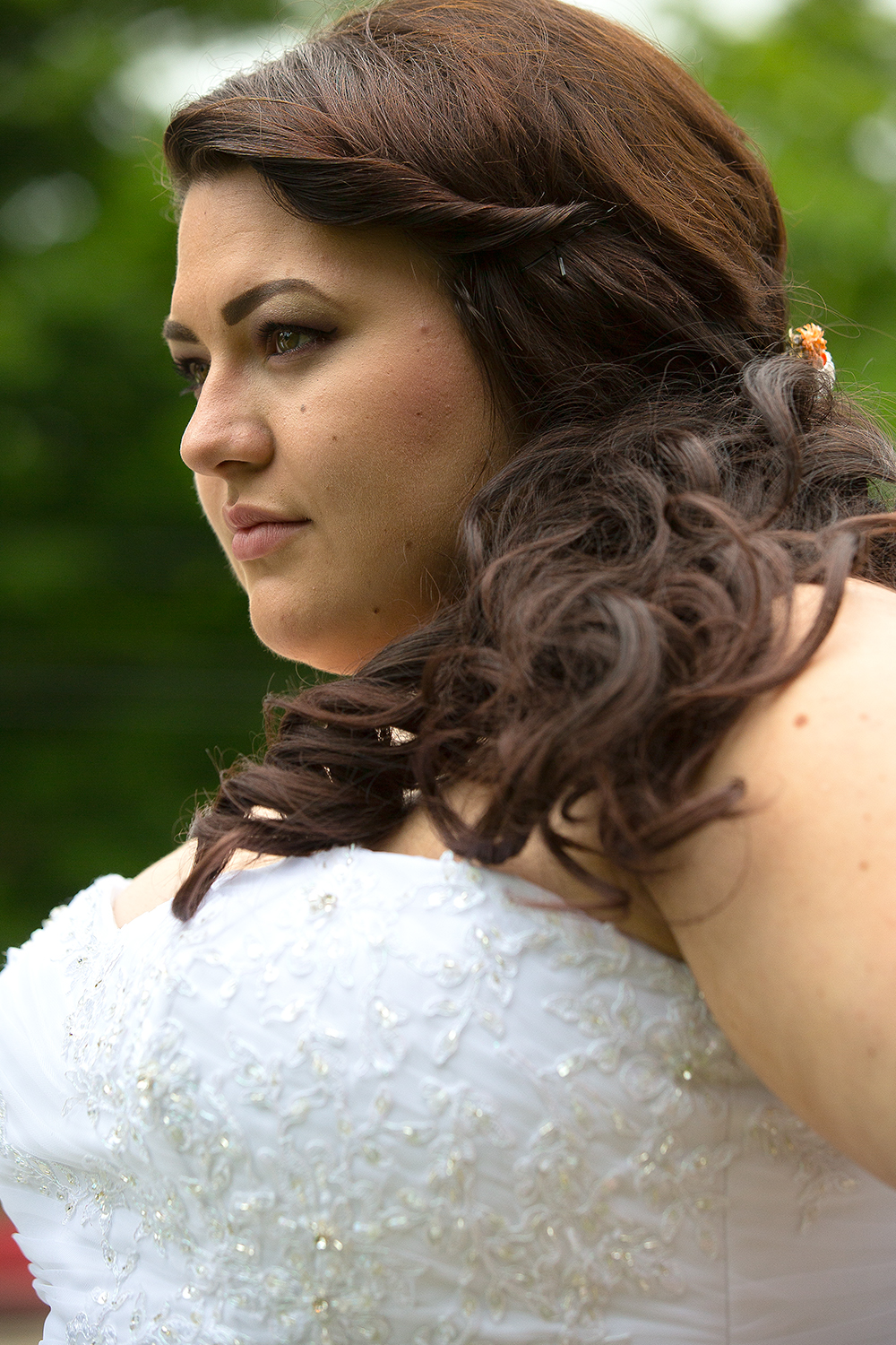 bride outside solo portrait#1(WEB).jpg