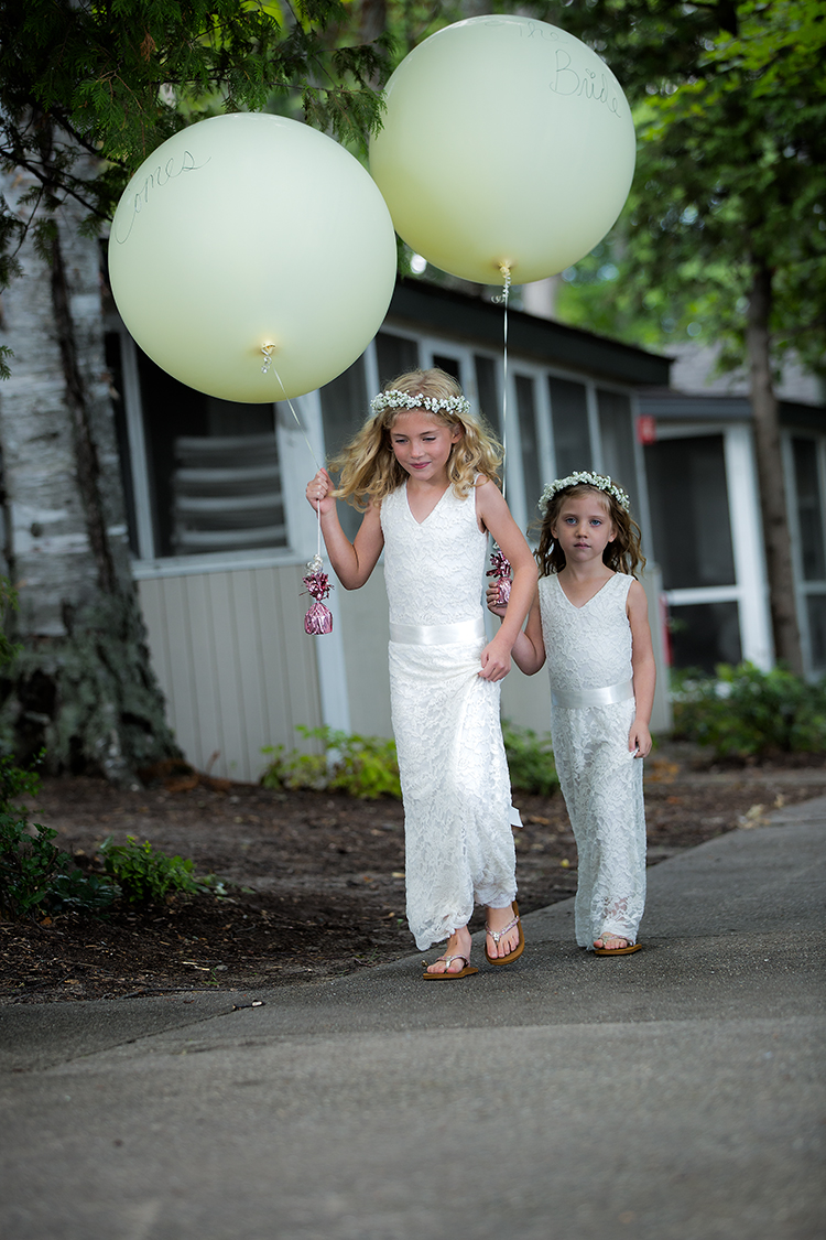 married balloon girls(WEB).jpg