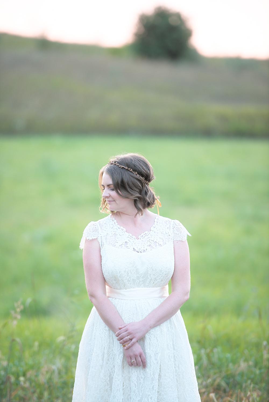 bride field solo hand wrist(WEB).jpg