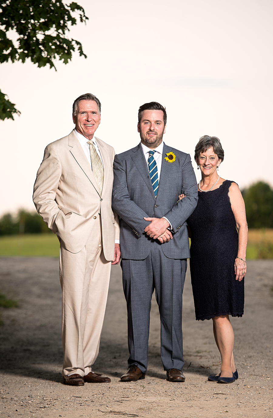 groom with parents II(WEB).jpg