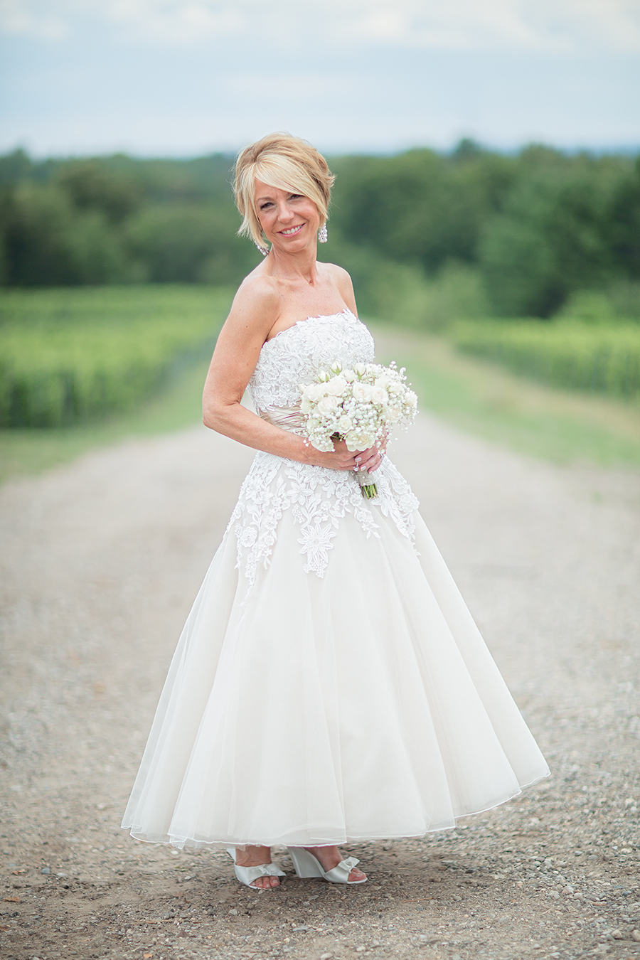vineyard bride solo(WEB).jpg