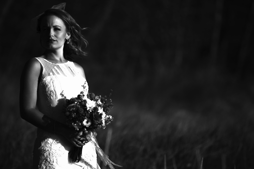 black & white half shadow bride(WEB).jpg