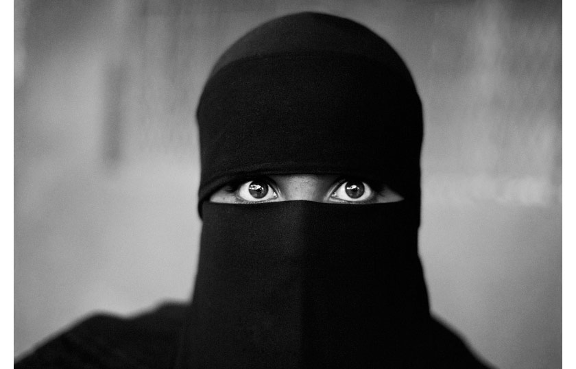WomanInNiqab.jpg