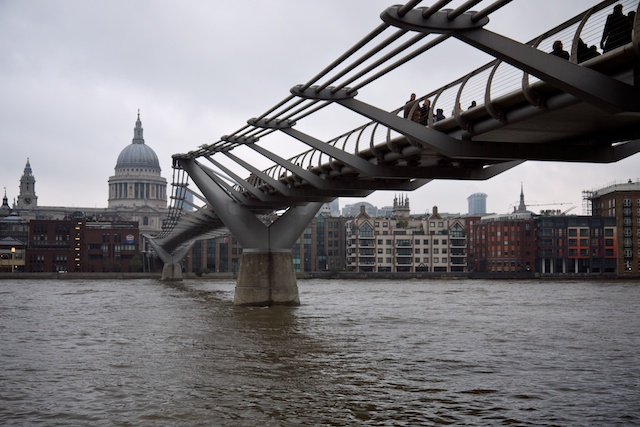 Millennium Bridge, St. Paul's Cathedral on the far side