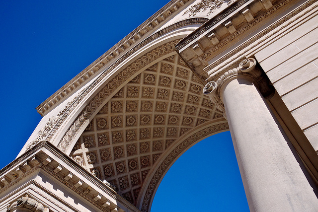 Archway to Legion of Honor