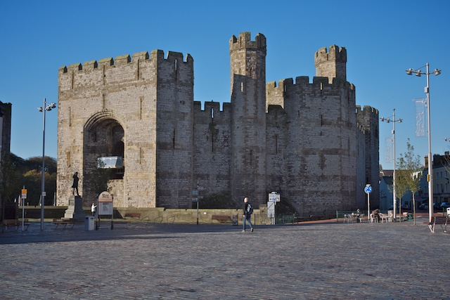 Caernarfon Castle, showing the Queen's Gate and the bands of red stone