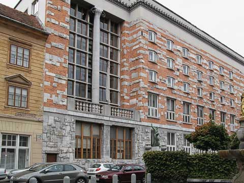 One of the best regarded of Plečnik's buildings is the National and University Library (Narodna in Univerzitetna Knjižnica). The odd size and shape of the bricks represent numerological patterns suggesting barriers on the path to enlightenment. The windows on the upper three levels are meant to represent books.