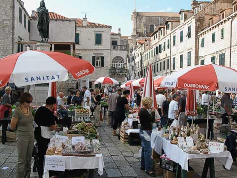 Each day there's an open-air market at the Gundulićeva Poljana. Lots of crafts and fresh produce are available.