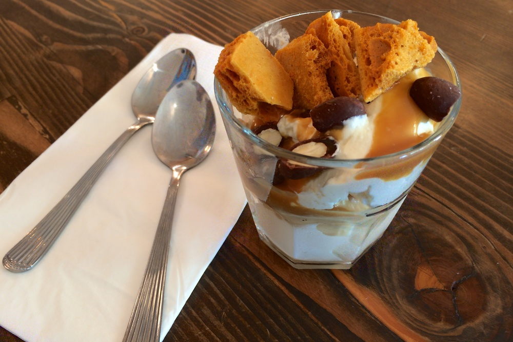 Hot Cakes: sundae with salted honey caramel, honey crunch, honey cream, honey-candied smoked almonds covered in salty milk chocolate