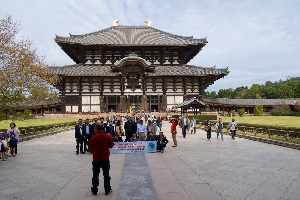 Todaiji Temple with a Vietnamese tour group