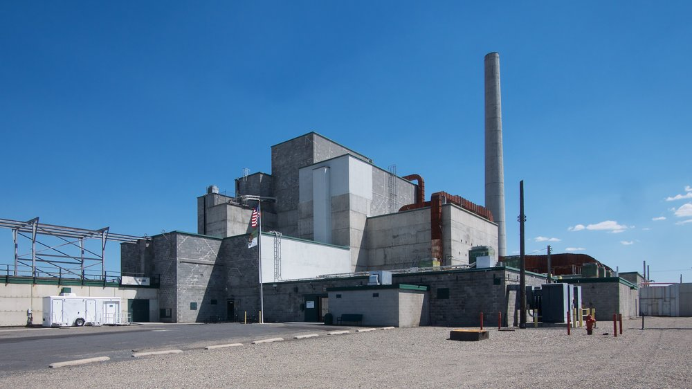 B Reactor exterior