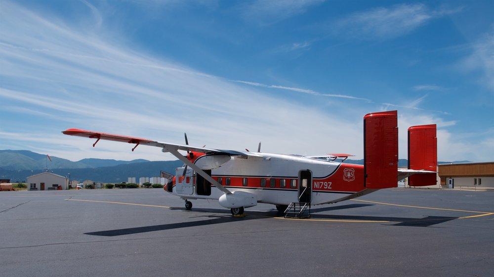 Smokejumper plane