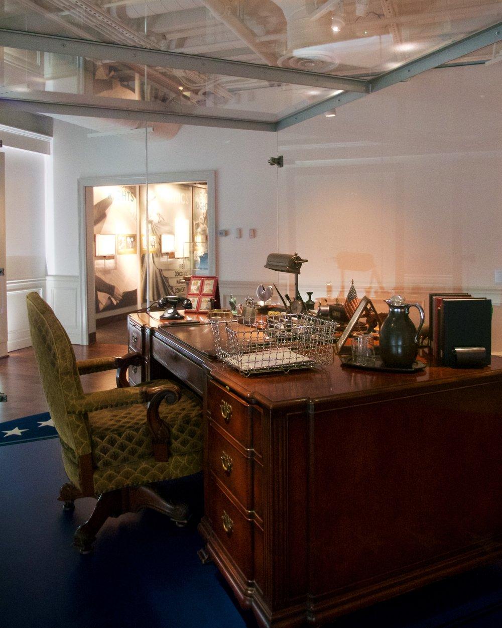FDR's Oval Office desk