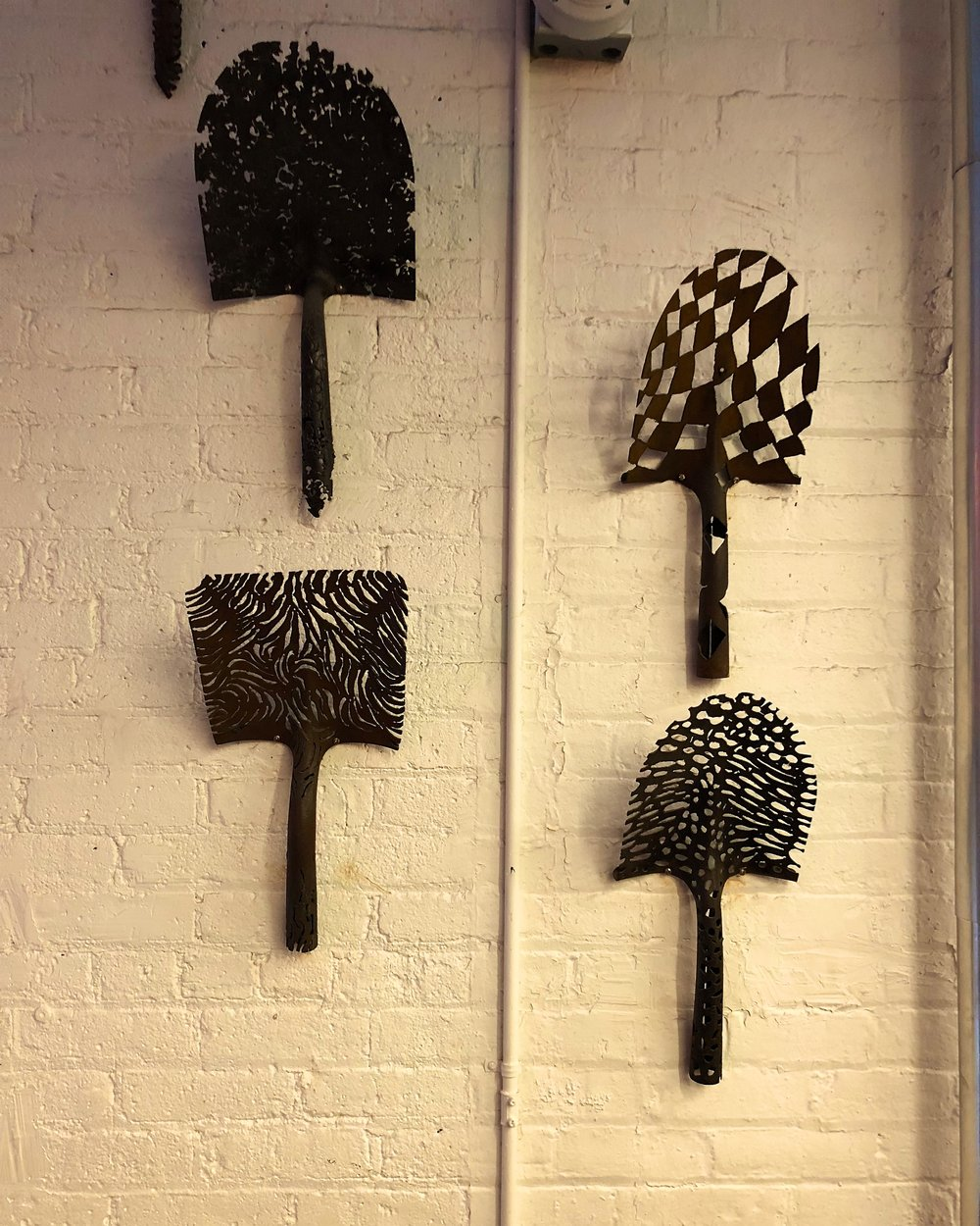 Shovel decorations
