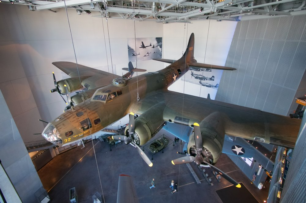 "B-17E Flying Fortress ""My Gal Sal"""