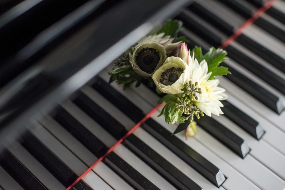 mikkelpaige-full_aperture_floral-pearl_river_hilton_wedding_0002.jpg