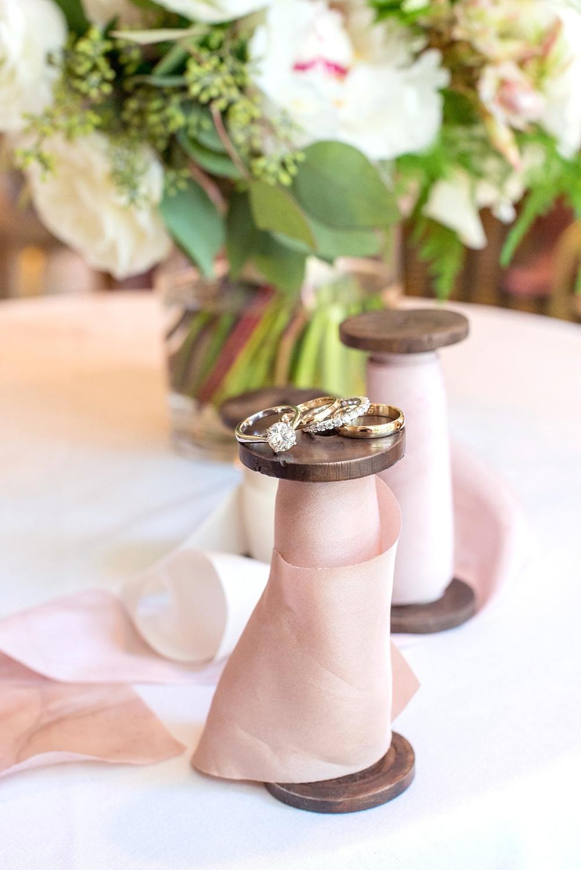 mikkelpaige-full_aperture_floral-pearl_river_hilton_wedding_0003.jpg