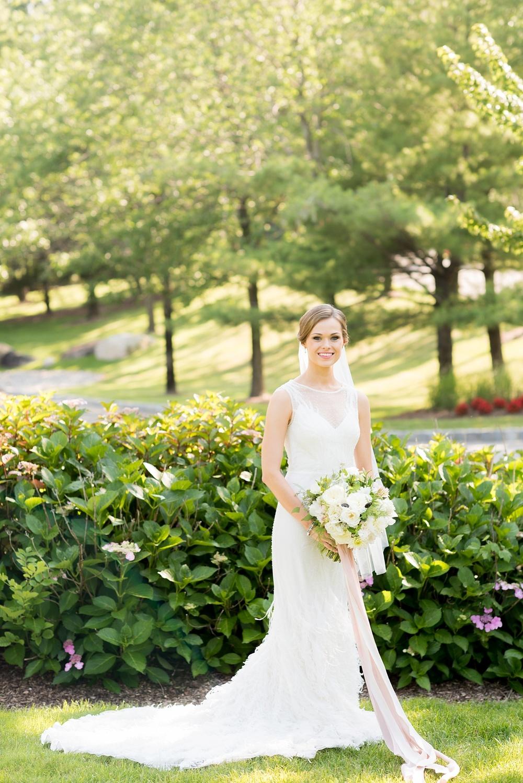mikkelpaige-full_aperture_floral-pearl_river_hilton_wedding_0009.jpg