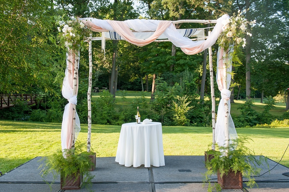 mikkelpaige-full_aperture_floral-pearl_river_hilton_wedding_0020.jpg
