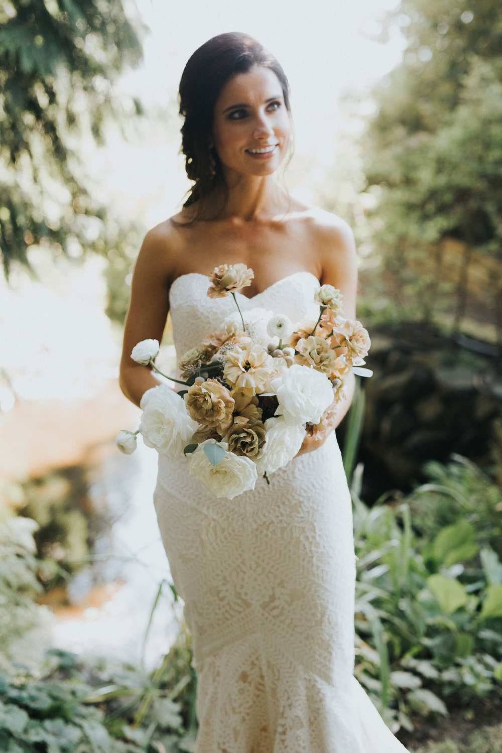 Wild Bloom Floral - Rachel Birkhofer Photography - Jessica and Phil - Real Wedding - Seattle 23.jpeg