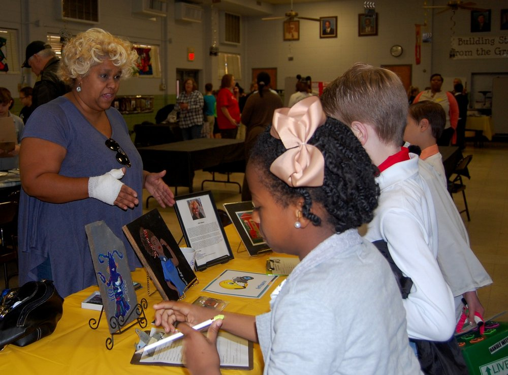 Karen Labeau, NWLA Juried Roster Artist, at Riverside Elementary's Career Day