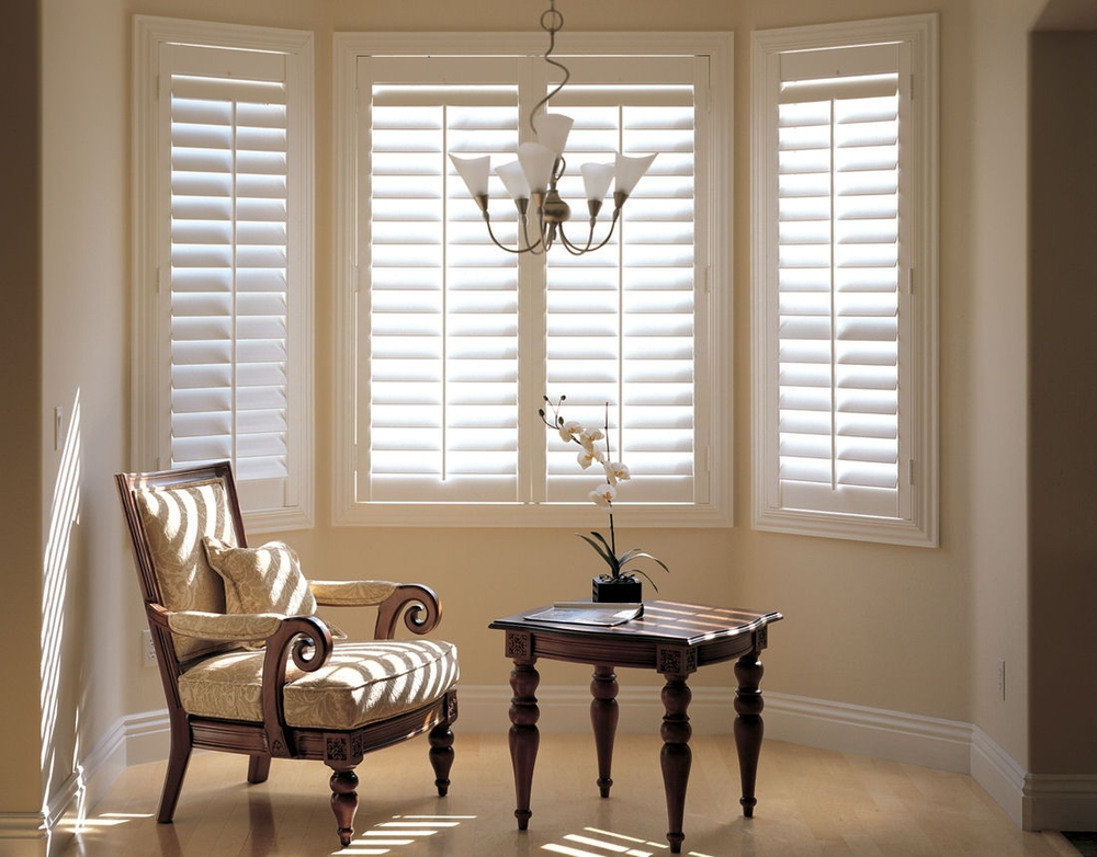 Elegant, horizontal window shades available at Russell's Window Coverings.