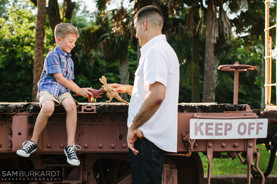 samburkardt_pensacola_florida_family_train_museum_photoshoot_summer_0010